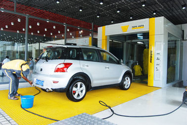 Yellow Tunnel Car Wash System Brushed With Pneumatic Control System